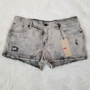 NWT Levi's Distressed Cut-off Shorts 30